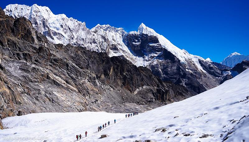 Успешно завершен треккинг к Эвересту