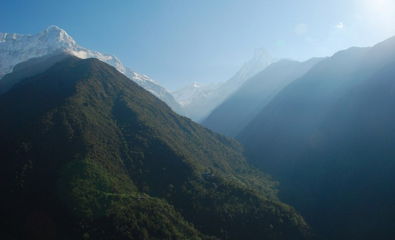 Зеленые склоны Гималаев