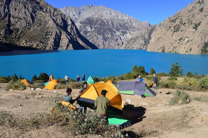 Палаточный лагерь на озере Тиличо