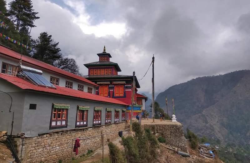 Храм в Кумджунге